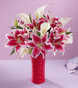 Love's Abundance Valentine Bouquet